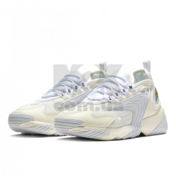 https://m2k.com.ua/image/cache/catalog/zoom2kphoto/sail_white_black/krossovki_nike_zoom_2k_sail_white_black_ao0269_100_6-250x250-product_list.jpg